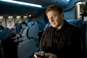 Non-Stop-welivefilm-movie-review-phone-neeson-1024x681